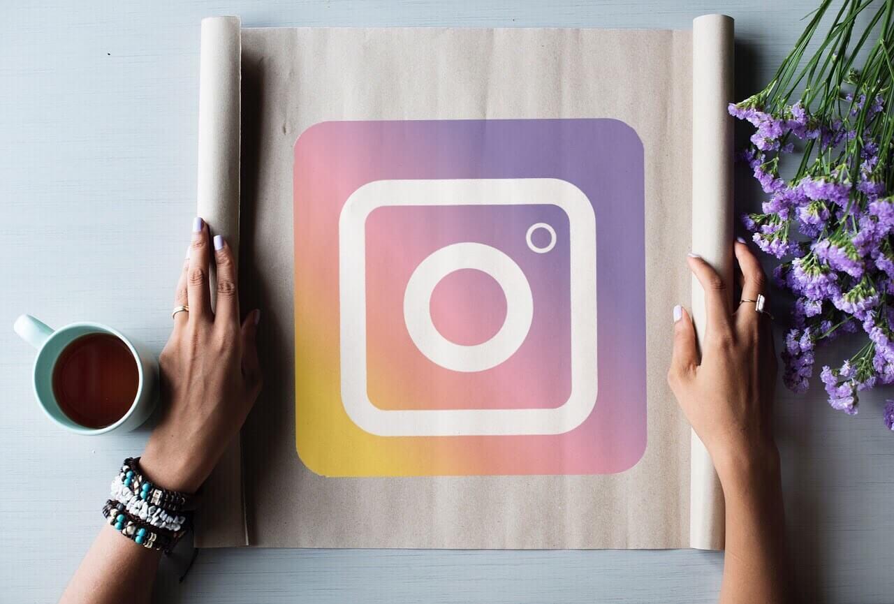 Instagram сохранения. Сохранение видео инстаграм. Сохранение фото в Инстаграм. Сохранение истории Инстаграм.